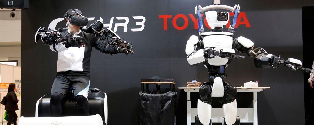 Robots mirrors human movements